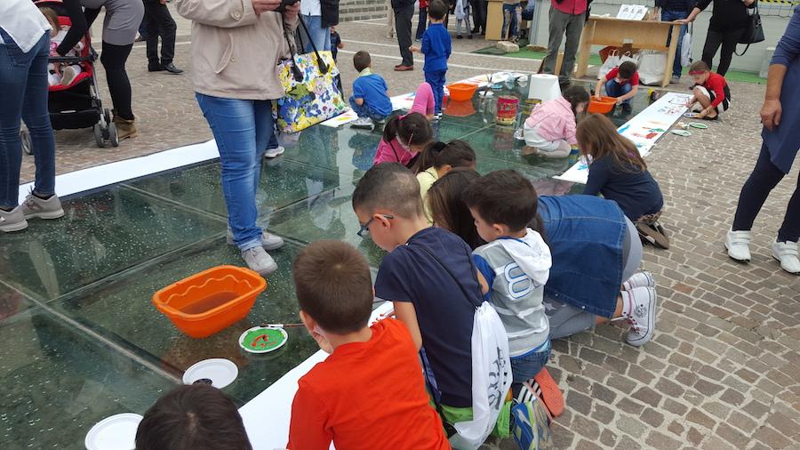 Quando sono i bambini a scendere i piazza succedono cose che mai ti saresti immaginato - Fondazione Angelo Affinita 5