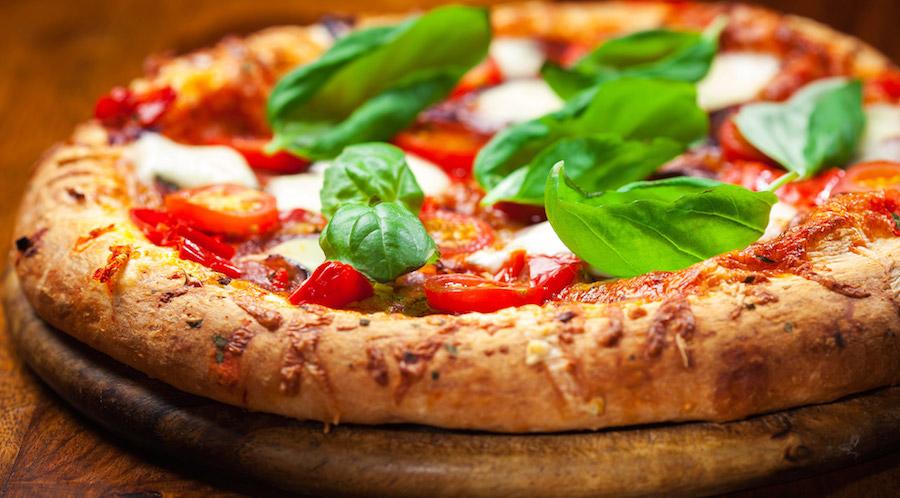 Come riabilitare e ridare un futuro ai ragazzi in carcere a partire dalla ricetta originale della pizza napoletana - Fondazione Angelo Affinita