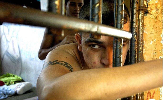 Dopo le Olimpiadi il dramma della droga (e degli squadroni della morte) fra i bambini brasiliani continua ecco come salvarli anche se sei lontano - Fondazione Angelo Affinita