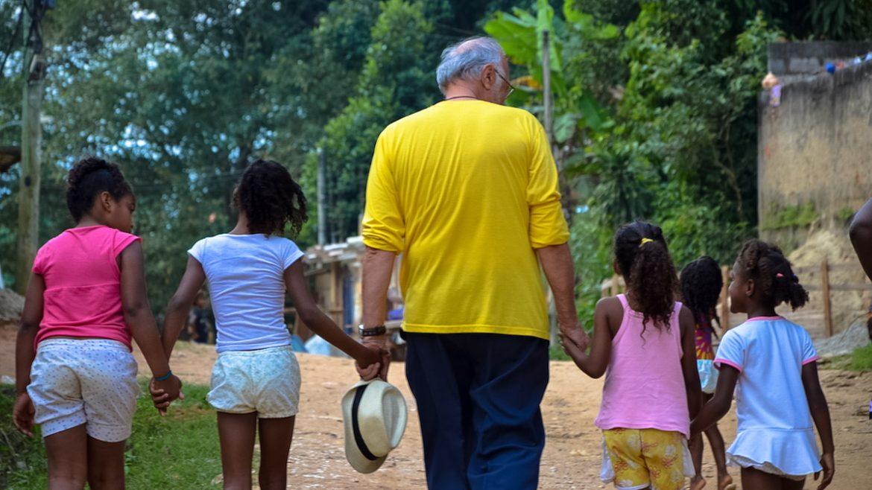 Come l'Amore di un Padre salva i bambini dal baratro della droga e della morte in solitudine, per strada - Fondazione Angelo Affinita