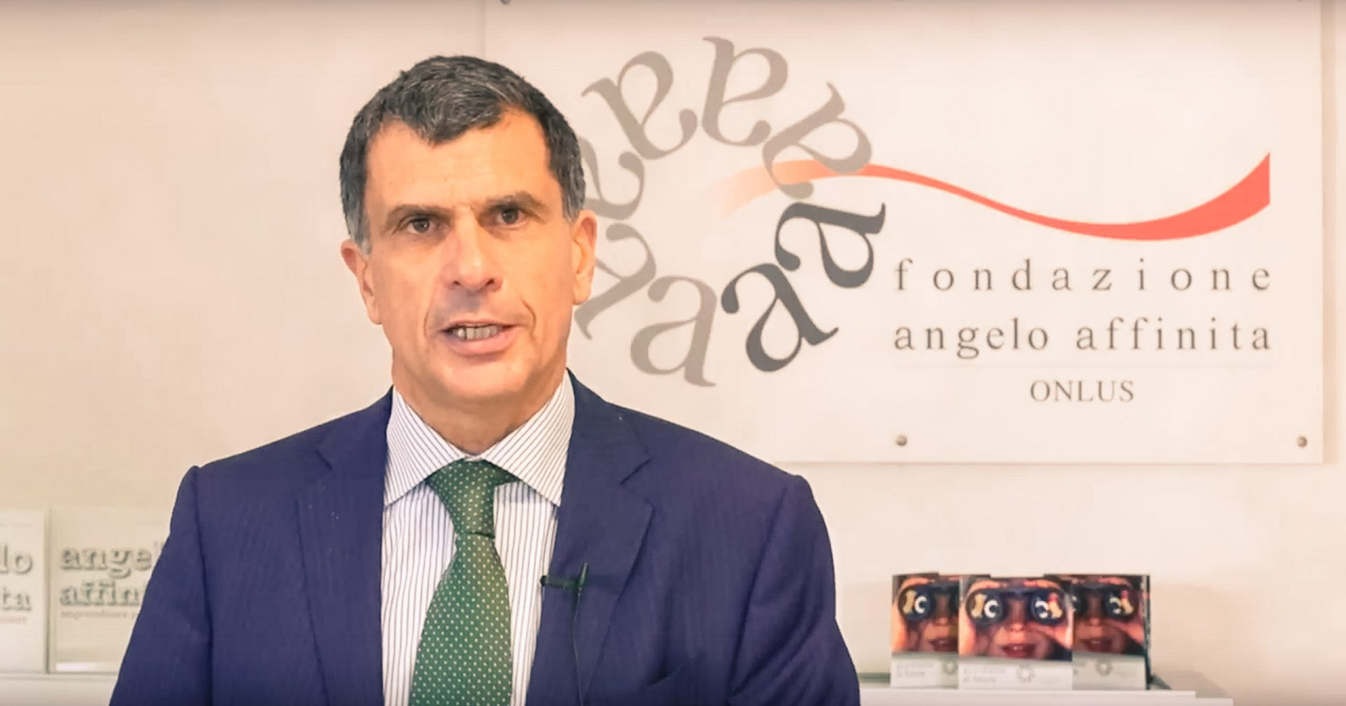 [Video testimonianza] Dove vanno a finire le tue donazioni alla Fondazione? Ascolta le parole di Vito Donatone, director di Banca Azimut - Fondazione Angelo Affinita