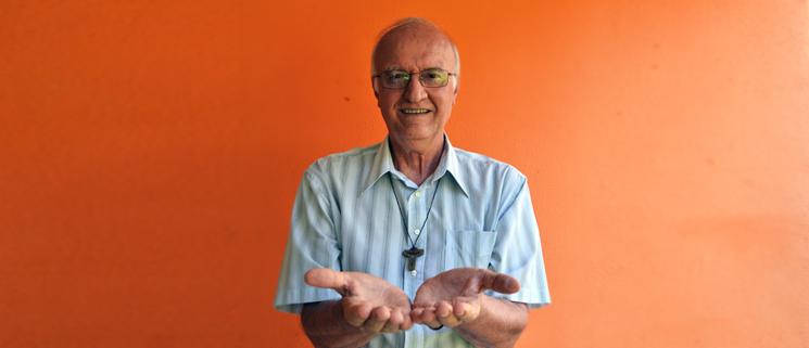 Come raggiungere la vera ricchezza donando se stessi la testimonianza coraggiosa di Padre Renato Chiera - Fondazione Angelo Affinita