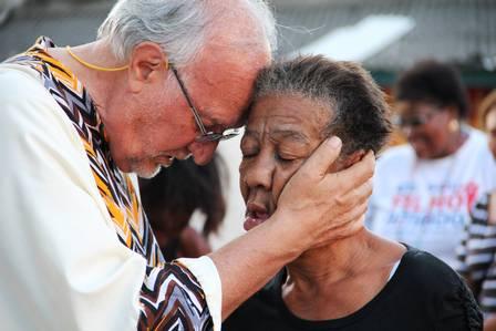 Dal sogno delle Olimpiadi all'incubo delle favelas Un Brasile in ginocchio e il coraggio di un uomo che aiuta gli ultimi a rialzarsi - Fondazione Angelo Affinita