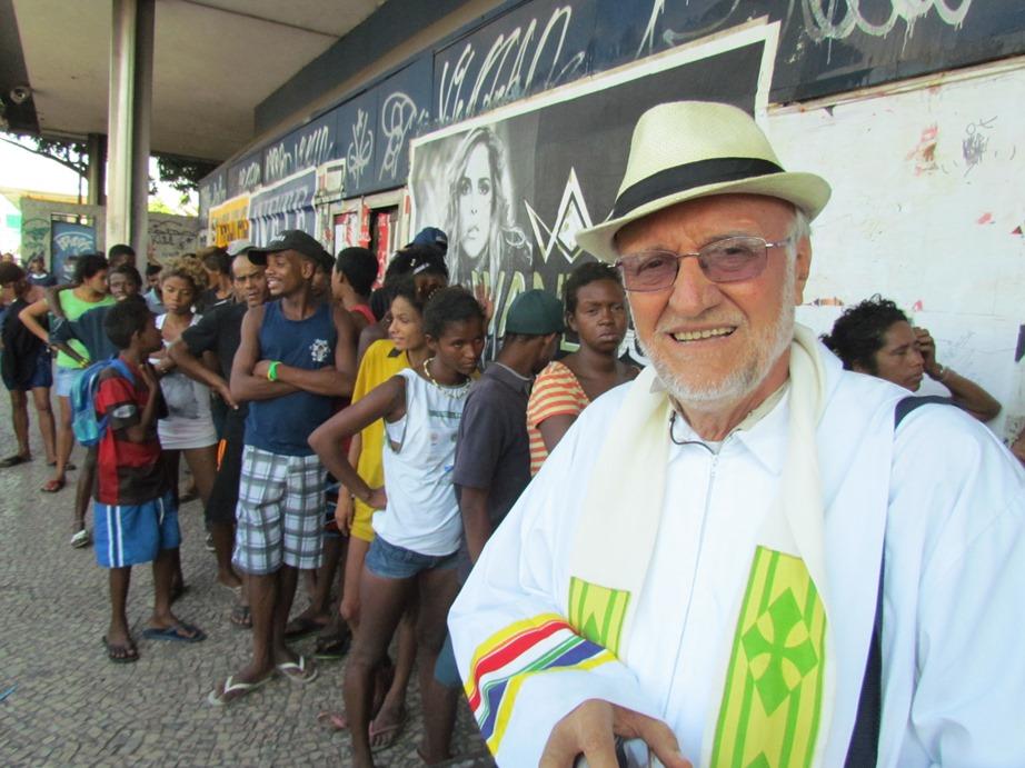 Ecco come puoi aiutare Padre Renato a liberare i bambini brasiliani dalla schiavitu e da condizioni di vita disumane - Fondazione Angelo Affinita