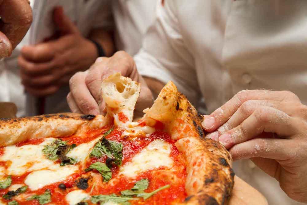 Una storia che ti fa sentire il profumo della buona pizza e della libertà!